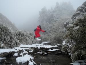 最新奇萊南峰_冰天雪地