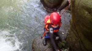 頭前溪攀瀑、跳水去