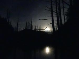 [遊~山林]漫流的浪漫~~水漾伴眠月^^