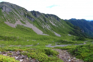 雪山主東與綠色圈谷