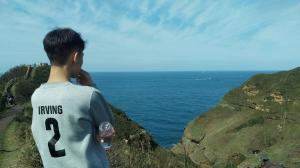 鼻頭角稜谷線上擁抱山海美景