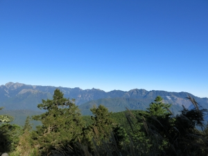 南湖前哨站~松風嶺眺望聖稜線