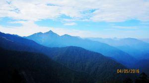 南湖 - 鑲嵌在高山幽谷間的璀璨鑽石 !