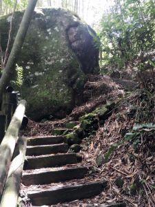 里佳瀑布步道