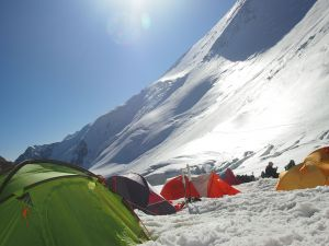 列寧峰,海拔7134公尺,海拔7134公尺--C1營地風景
