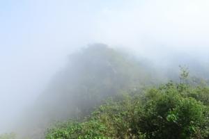 旗尾山步道看雲起