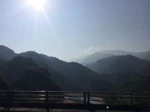 北橫路上塔曼山