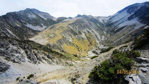 南湖 - 鑲嵌在高山幽谷間的璀...